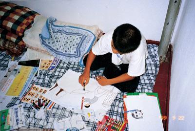 【中国の隠れ家で絵を描く ―ハンギル(キルスの兄)】
