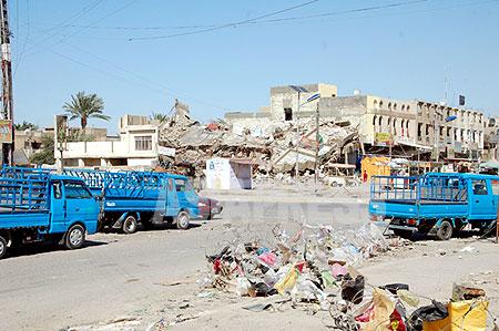 宗派抗争は収まったが、爆弾事件などは今も続く。シーア派住民が暮らすアパートが爆破されて12人が死亡した。後日スンニ派武装勢力が声明を出した。