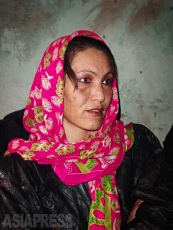 シェヒルバヌ(35)は、タリバン政権時代から刑務官を務めていた。ザルミーナが収容されていた部屋で当時のようすを話す。