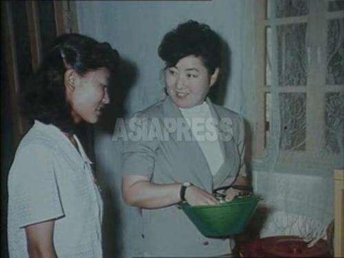 <北朝鮮>金正恩氏の母、高ヨンヒの記録映画を世界初公開