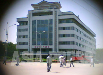 5階建ての平壌第一百貨店は1980年代前半に建設された。(写真はすべて2011年9月 ク・グァンホ撮影[資料写真をのぞく])