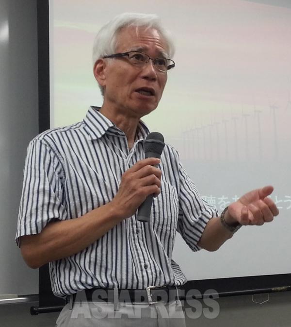 ドイツに20年近く住んでいた元ドイツ和光純薬社長の藤澤一夫さんは「ドイツの脱原発政策と再生可能エネルギー」について最新のデータと写真を用いて解説した。(9月14日大阪市北区にて撮影 新聞うずみ火)