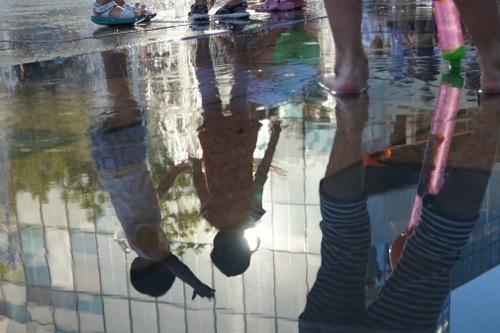 水不足の北京では水は豊かさの象徴。2014年6月7日 北京・三里屯 撮影 宮崎紀秀
