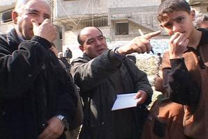 ラジ・スラーニ弁護士。ガザ在住で人権活動家としても知られる(2003年3月・ガザ地区中部ブレイジ難民キャンプにて撮影・土井敏邦)