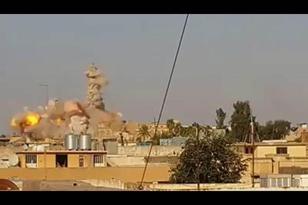 武装組織「イスラム国」が実効支配するイラク北部のモスルでは、キリスト教徒迫害や歴史的遺構の破壊が相次いでいる。7月下旬には、貴重な歴史的遺構、「預言者ヨナの墓」のある寺院が「イスラム国」によって爆破された。写真は同組織が公開したとされる寺院爆破の映像
