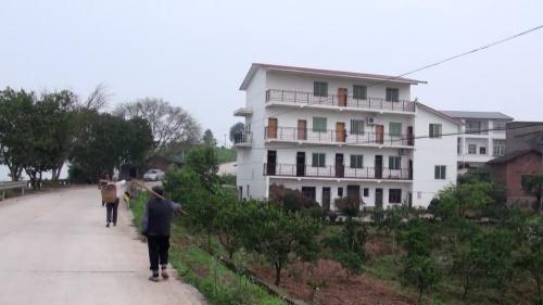 雷元書記の実家(2014年4月9日 重慶市李庄村、アイ・アジア)