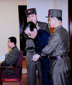 (参考写真)2013年12月12日国家安全保衛部特別軍事裁判で死刑判決を受けた張成沢氏(労働新聞より)