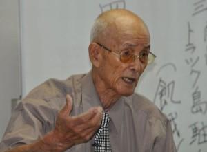 元海軍兵の瀧本邦慶さんは90歳を超える高齢にも関わらず、小中高校などへ出向き、自身の戦争体験を語り、命の大切さ訴えている。(8月8日大阪市内で撮影・矢野 宏/新聞うずみ火)