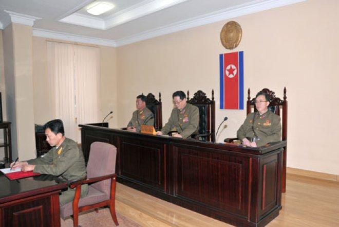 (参考写真)国家安全保衛部の特別軍事法廷の様子。2013年12月 労働新聞より引用