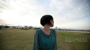 大阪在住の脱北者リ・ハナさん。「好奇の目で見られるのが嫌です」。撮影キム・ヘリム