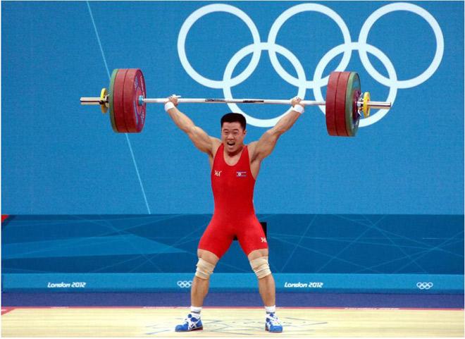 2012年ロンドン五輪男子重量挙げ62kg級では、キム・ウングック選手が世界新記録で金メダルを取り世界を驚かせた。(「わが民族同士より」引用)