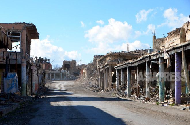 シンジャル市内の中心地にあるミナラ地区。町を象徴する歴史的建造物や、ヤズディ教の聖塔もISにより爆破された。(3月上旬撮影:玉本英子)
