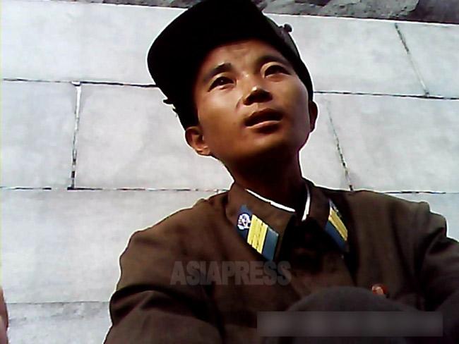 <北朝鮮写真報告>最新教科書75冊入手! (3) イラストが可愛すぎる中学教科書(写真4枚)