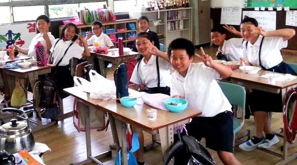 大阪市の城北朝鮮初級学校。大阪府の補助金カットで教師や保護者は負担を強いられるようになった。(写真:矢野宏/新聞うずみ火)