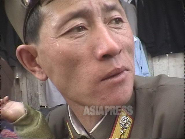 <北朝鮮写真報告>教科書に金日成―金正日の肖像一枚もなし。生徒の落書き怖れて掲載せずか (写真4枚)