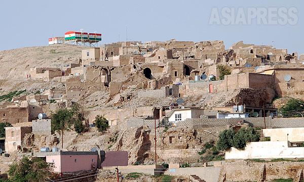 イラク北西部シンジャルの中心部。住民のほとんどがヤズディ教徒だ。これまで、時の政権やイスラム武装組織などから迫害や攻撃にさらされてきた。(2011年撮影・玉本英子)