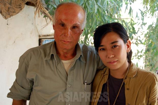 ドイツで焼身行動をしたクルド人男性と。オランダで偶然出会い、その後イラクで再会した(イラク北部で2006年撮影)