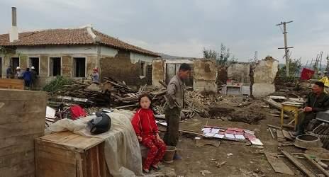 <北朝鮮現地報告>セメント不足で水害復旧遅れ 被災農民への分配負担巡り農場と農民対立(写真3枚)