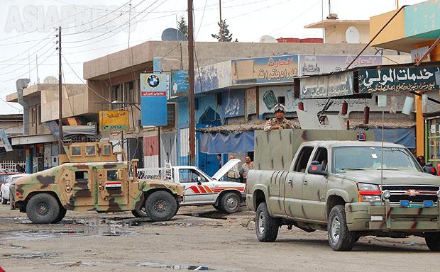 検問所のない地域は、治安が不安定になる。イラク軍は治安の空白地区を作りださないよう、モスル市内の貧困地区を中心に検問所設置を進めた。(2010年・モスル:撮影・玉本英子)
