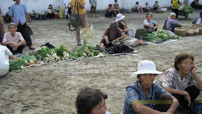 <写真報告>庶民の力で変化遂げた北朝鮮社会 平壌郊外の市場から