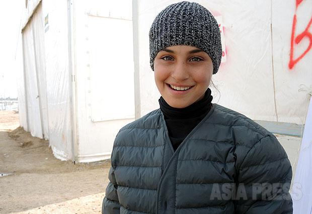 <イラク>日本のNGO、IS支配地域からの避難民に冬物衣料を配布~感謝の声ひろがる(写真3枚)