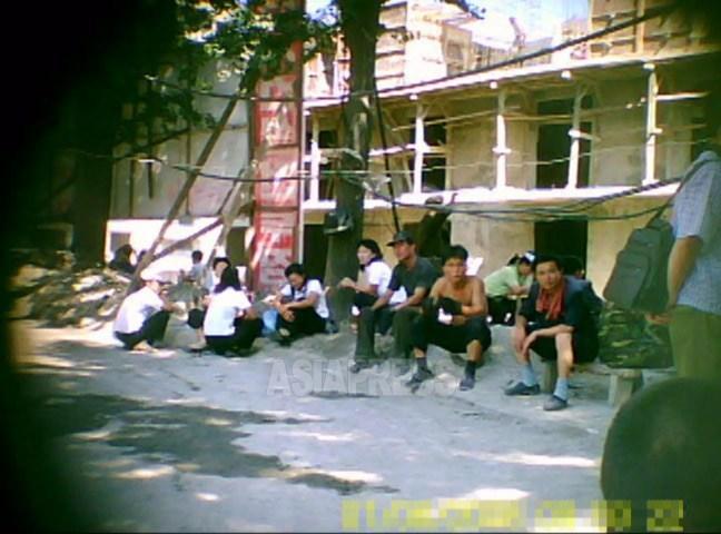 <北朝鮮内部>金正恩氏肝入りの高層アパート街建設 費用負担強要で住民不満(写真2枚)