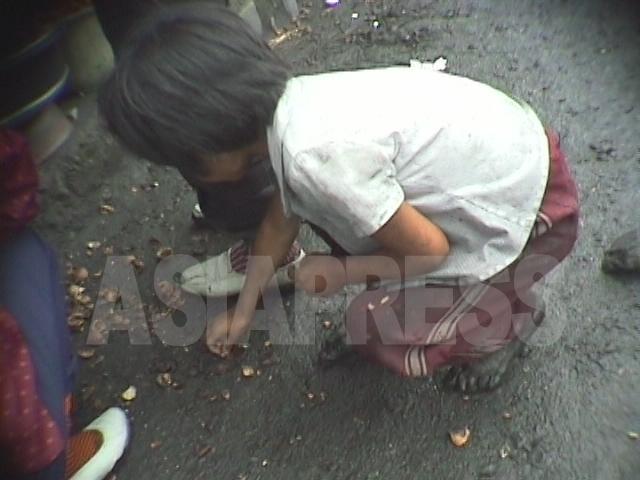 <北朝鮮写真報告>映像に記録された少女たちの受難(6) 大飢饉時代のホームレス少女の苦難を振り返る(写真4枚)