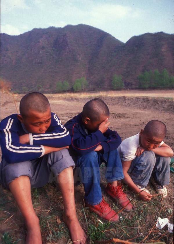 復刻連載「北のサラムたち1」第9回 隠蔽される暗部(4) 越境少年たちは金正日のからかい歌を口ずさんだ 石丸次郎
