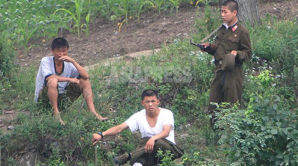 <北朝鮮内部> 「祝賀ムードの平壌」はメディア利用の宣伝 実は住民動員して非常警戒態勢に突入 石丸次郎