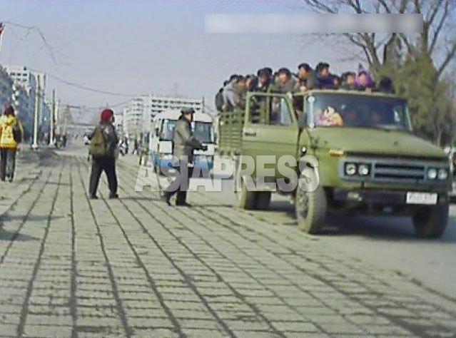 <北朝鮮内部>日本の2倍の地域も ガソリン高騰で交通混乱 物価もじわり上昇