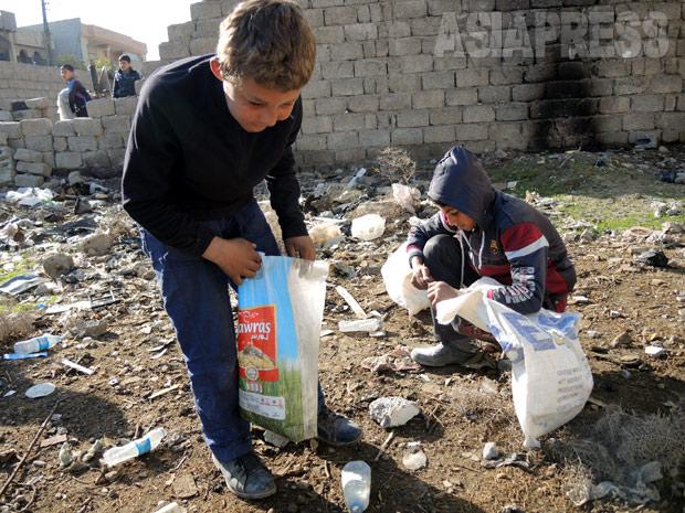 <イラク・モスル報告>子どもたちが見た公開処刑 IS去っても生活厳しく(写真6枚)