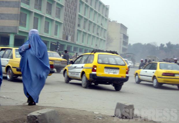 <特選アーカイブ>アフガニスタン~「ザルミーナ」公開処刑された女性を追って(1)写真4枚【玉本英子】