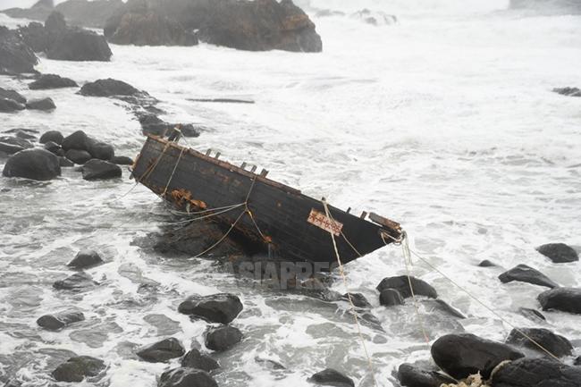 <北朝鮮内部>遭難多発のイカ漁は死んでも保障なし 夫失い「未亡人」続々(写真3枚)