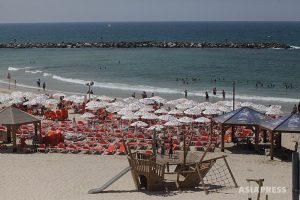 <パレスチナ写真報告>汚れちまったガザの海 イスラエルの封鎖で下水処理できず遊泳禁止に(写真6枚)