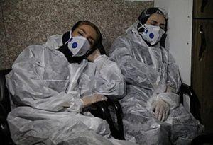 <イラン>コロナで混乱 感染者迫害、死者埋葬に抗議行動も 感染・死者数が1週で50%増(写真3点)