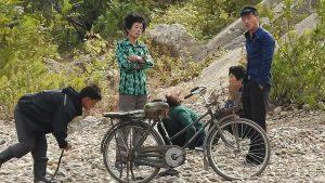 「愛の不時着」は北朝鮮でも流行るか 越境する韓ドラに心揺さぶられた北の人々