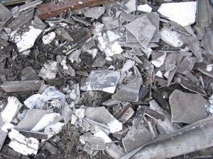 大防法改正でアスベストの廃棄物規制「緩和」へ 国のずさん対応が現場の上乗せ安全対策つぶす可能性