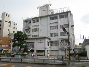 アスベスト大丈夫か? 大阪・守口警察署解体で住民が対策の徹底要望 市役所解体では調査ミス