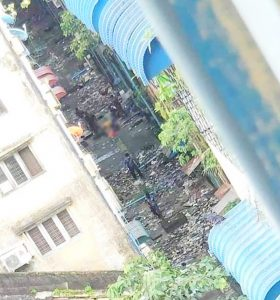<ミャンマー>軍・警察が追い詰め発砲 若者6人が転落、死傷