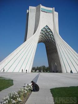 090412_iran_azadi.jpg