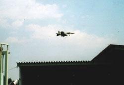 米軍FA-18戦闘攻撃機