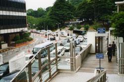 米海軍横須賀基地の正門