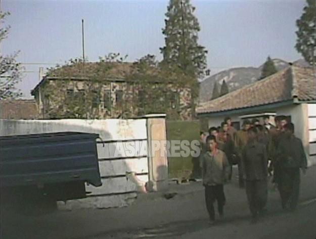 【写真特集】拘禁される人々