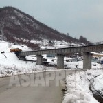 중국 길림성 남평진에 위치한 '화평철도'. 완공 직전의 모습이다. 2012년 11월 박영민 촬영 (아시아프레스)